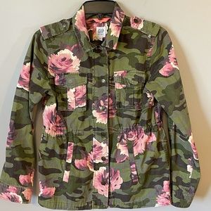 Gap Kids Utility jacket army green with roses XXL